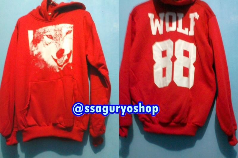 Wolf hoodie red